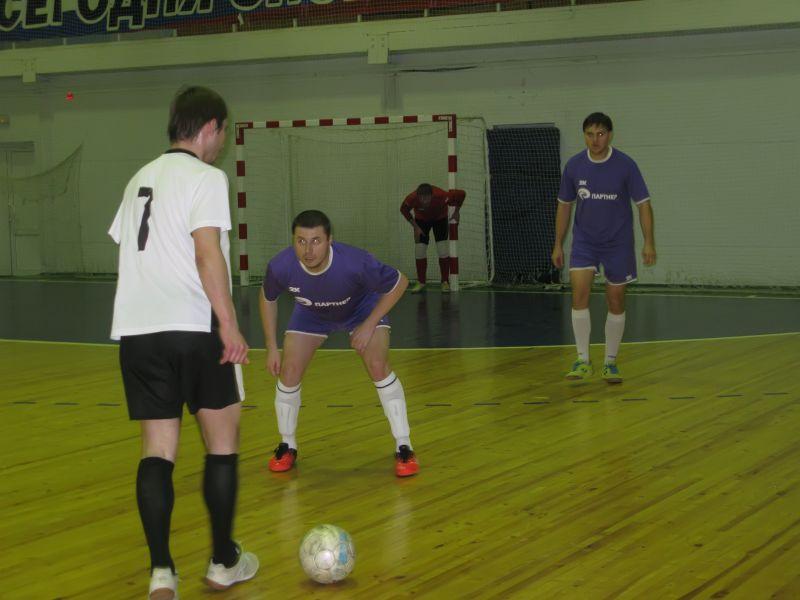 Встреча футбольных команд компании РПЦ Партнер(г.Саратов) и Метеор(г. Энгельс)